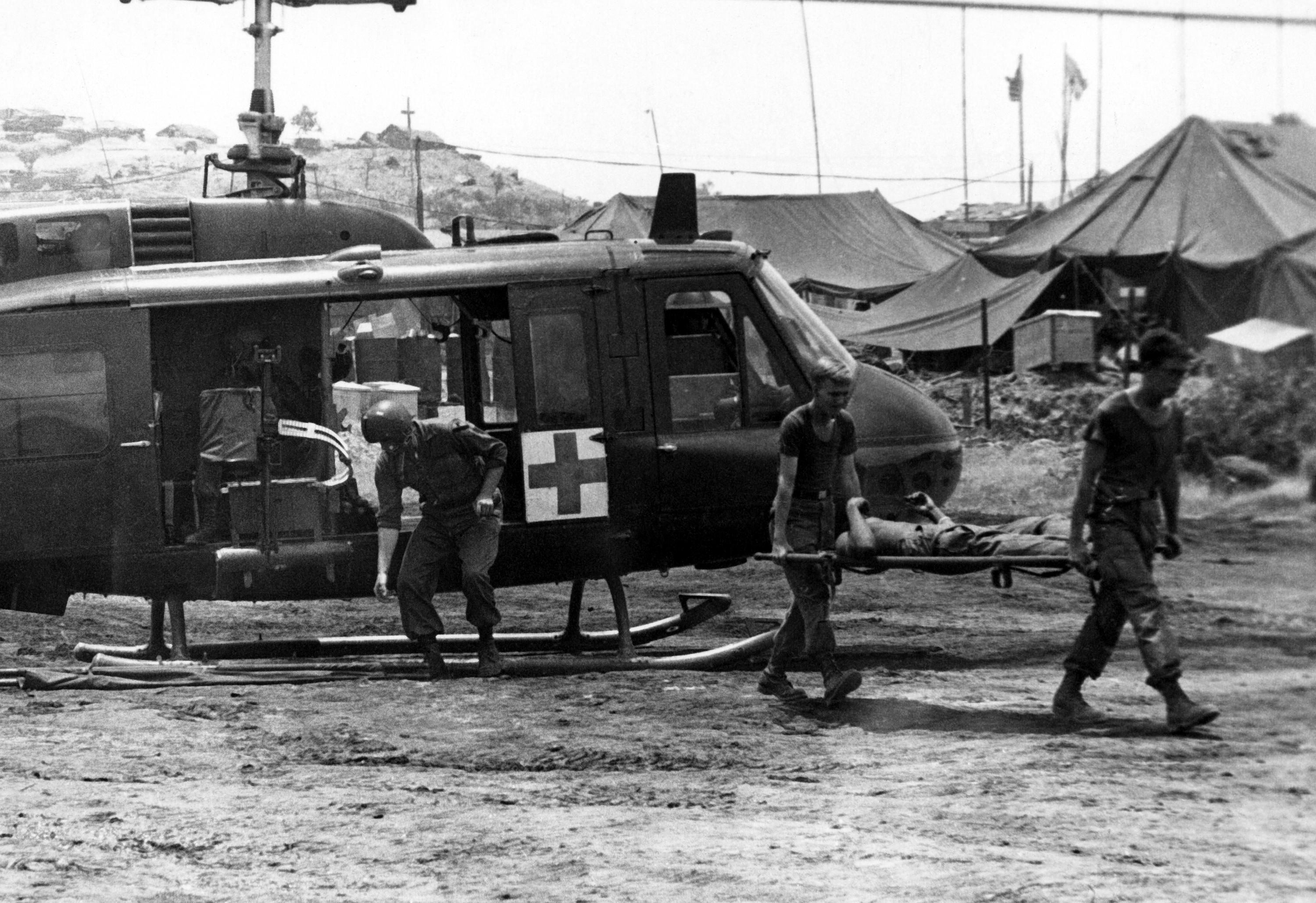 hueys helicopter with Dustoff on Ah 1w Super Cobra likewise Vietnam Air Force Helicopter Crashes In Hcmc Crew Dead 38125 in addition H AH 1 Cobra Helicopters as well 85 5536 besides Showthread.