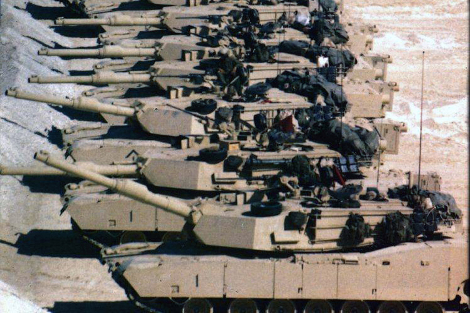 Persian gulf war tank battle